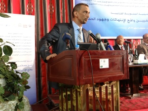 Saeed Thabet addressing Yemeni journalists